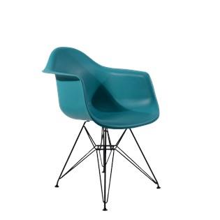 Cadeira Charles Eames Eiffel Com Braços e Base em Aço Preto - Assento em Polipropileno Cor Turquesa