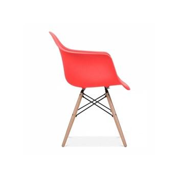 Cadeira Charles Eames Eiffel Com Braços e Base em Madeira - Assento em Polipropileno Cor Vermelha