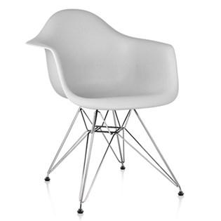 Cadeira Charles Eames Eiffel Com Braços e Base em Metal Cromado - Assento em Polipropileno Cor Cinza Claro