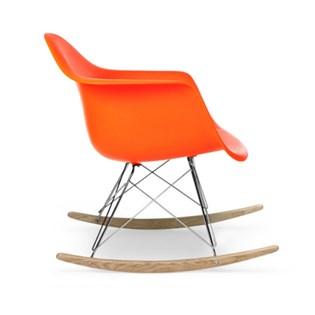 Cadeira Eames Eiffel Balanço - Base em Aço Cromado e Madeira Clara - Assento Cor Laranja